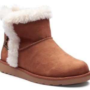 SO Hangout Women's Plush Boots size 7.5
